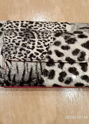 Лаковый леопардовый кошелек
