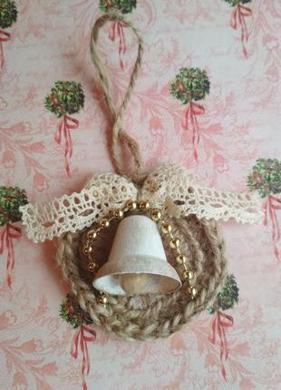 Новогоднее украшение из джута