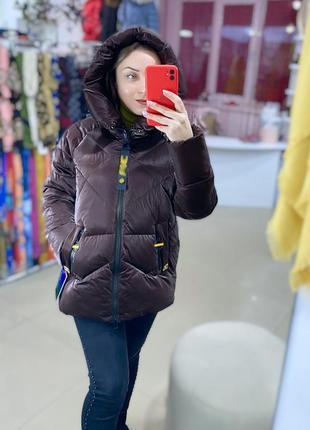 Зимняя куртка лаковая