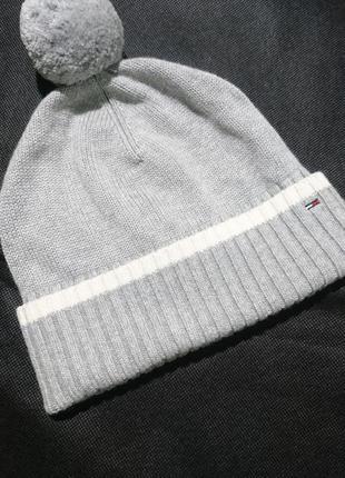 Серая шапка бини  с помпоном/ оригинал