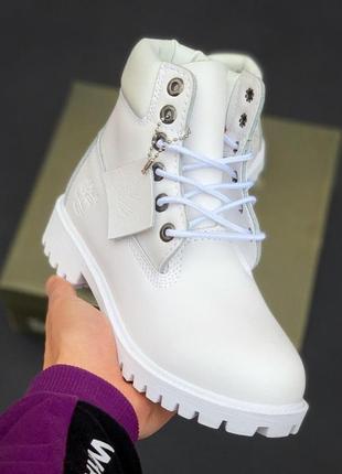 Женские  зимние ботинки  timberland monowhite