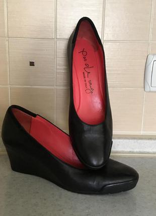 Бомбезные итальянские туфли. кожа р-р 39