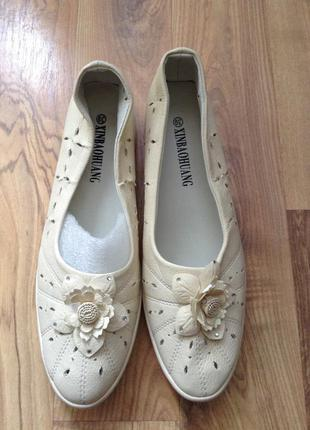 Туфли и мокасини женские розмір-39