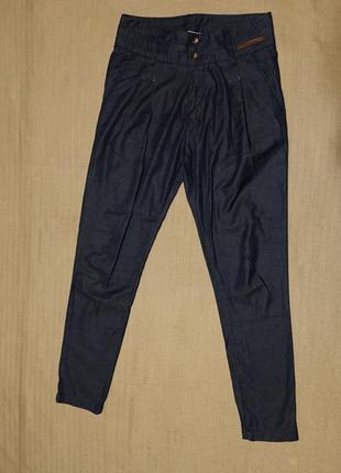 Легенькие темно-синие х/б брюки - бананы maluka португалия 26 р.