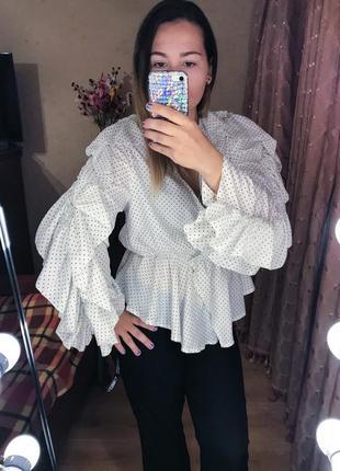 Объёмная блузка в горошке