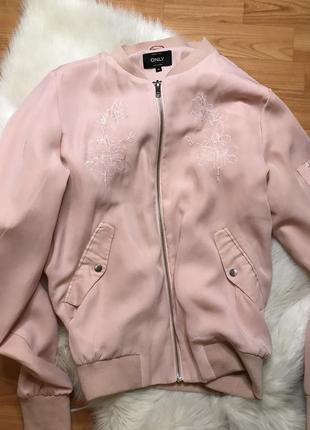 Бомбер only пудровый розовый