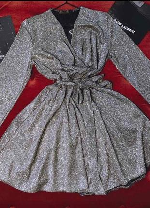 Шикарное мерцающее платье на запах