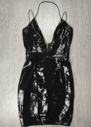 Чёрное платье в паетках