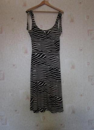Трикотажное платье на бантах в полоску