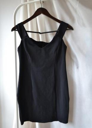 Маленькое черное платье topshop с молнией по спинке