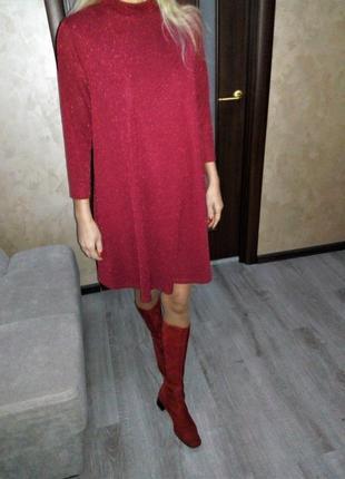 Бордовое,блестящее платье свободного кроя