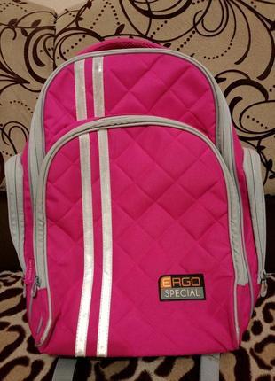 Рюкзак шкільний ідеальний стан 500грн