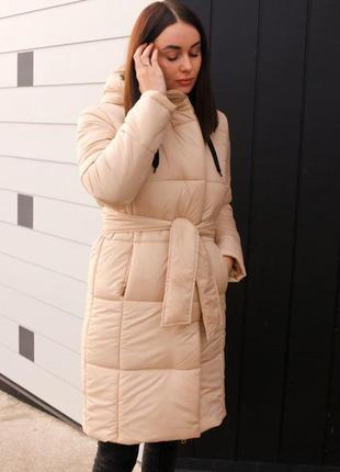 Женская зимняя куртка бежевая