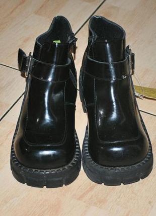 Лаковые детские ботинки, обувь, полусапожки, полусапоги. натуральная кожа