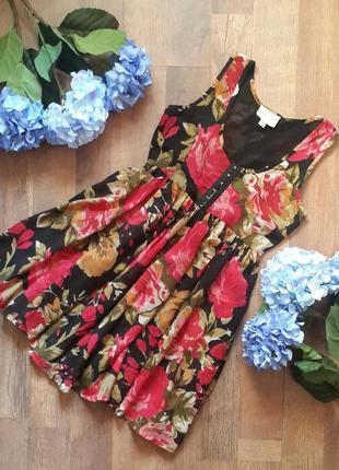 Большой выбор классных вещей. платье в цветы.