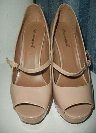 Лаковые босоножки-туфли на высоком каблуке, цвет нюд.