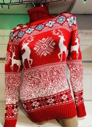 Свитер с оленями новогодний