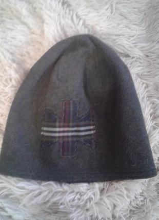 Стильная шапочка бини с принтом,polar soft.