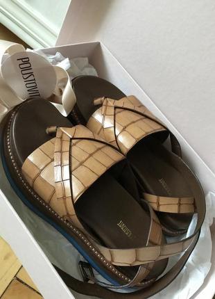 Poustovit сандали
