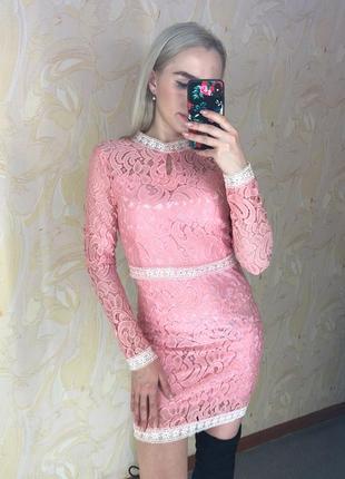 Нежное платье с кружева