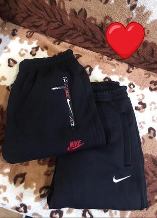 Стильные тёплые спортивные штаны брюки на флисе с высокой посадкой