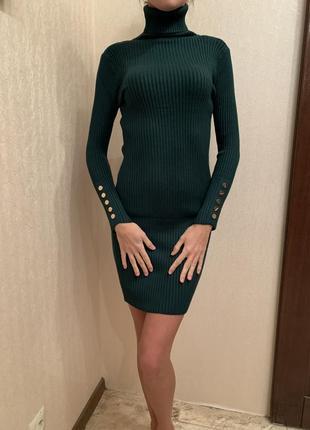 Платье короткое приталенное, облегающее нарядное платье изумрудного цвета