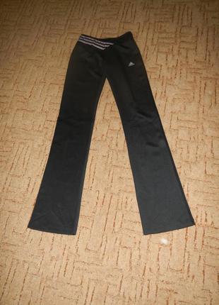 Черные спортивные штаны adidas