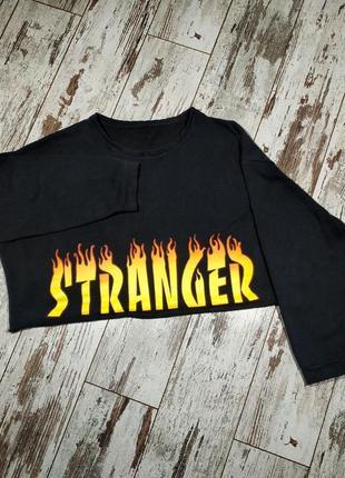 Кроп топ stranger