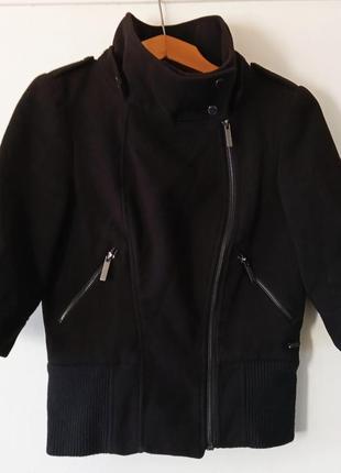 Пальто черное короткое