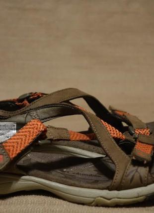 Очаровательные открытые комбинированные сандалии columbia 37 р.