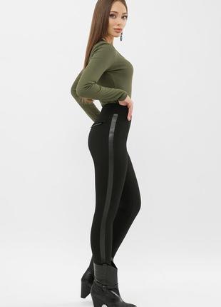 Тёплые с начесом лосины брюки штаны чёрные с лампасами эко кожа