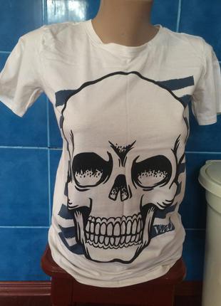 Біла футболка!