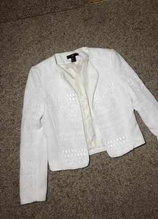 Белый пиджак жакет с кружевом кожаными вставками 36 s/m