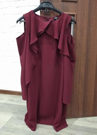 Марсаловое платье от английского бренда