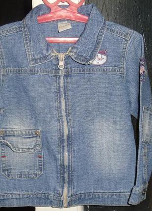 Джинсовая курточка на молнии на мальчика 3-4 лет