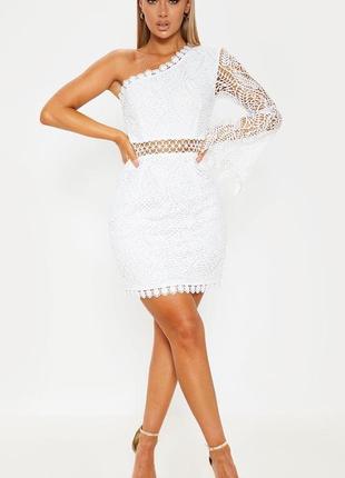 Фактурное белоснежное гипюровое платье на одно плечо plt
