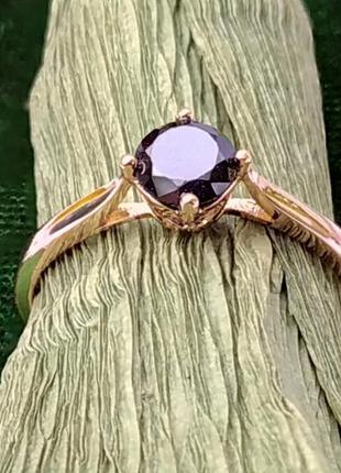 Позолоченное кольцо р.20 с черным камнем, позолота 18 карат 585 пробы, xuping