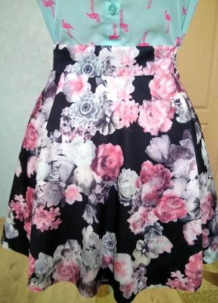 Пышная короткая чёрная юбка солнце pimkie/юбочка трапеция а-силуэта/цветочный принт