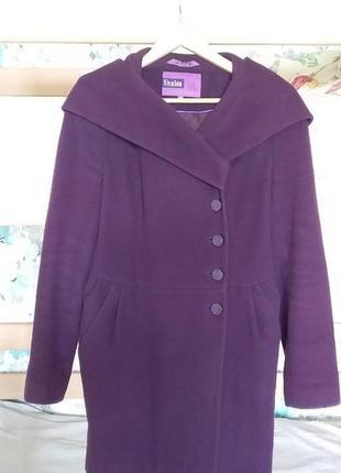 Тёмно-фиолетовое шерстяное пальто vivalon