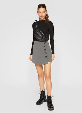 🌿серая юбка шорты stradivarius с пуговицами