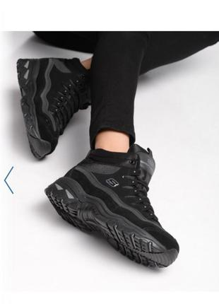 Демосезонні кросівки від американського бренда skechers