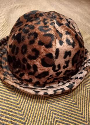 Женская леапардовая шапка шляпа от c&a, made in italy.
