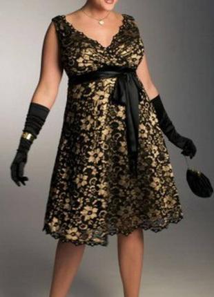 Фирменне гипюровое вечернее коктейльное платье от бренда  b. darling
