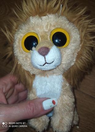 Львёнок глазастик.