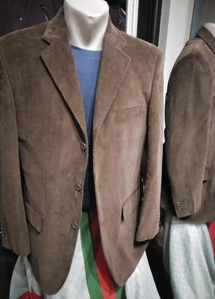 Классический хлопковый вельветовый пиджак со шлицей