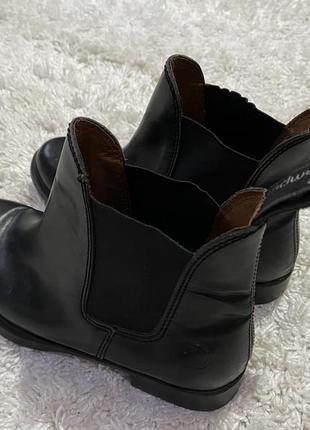 Кожаные брендовые ботинки челси campus винтажные.по бокам резинки