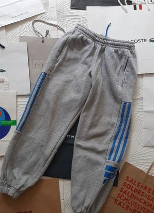 🎅 тёплые фирменные штаны с начёсом на 9-10 лет
