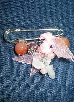 Брошь, декоративная булавка с натуральными камнями