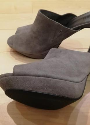 Туфли с открытым носком и пяткой