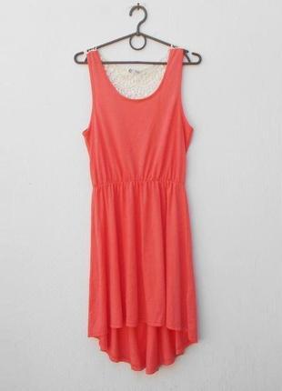 Трикотажное платье с кружевной спинкой